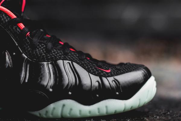 Nike Air Foamposite Yeezy Solar Red  (3)