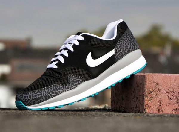 Nike Air Safari Elephant Black White Cool Grey (2)
