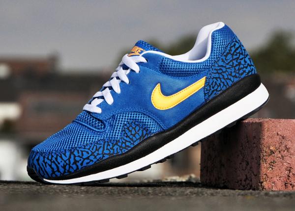 Nike Air Safari Elephant Military Blue Mango (1)