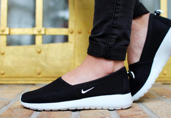 Espadrille Nike Roshe Run Slip On noire