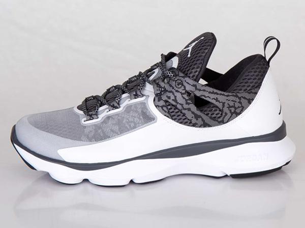 Jordan Flight Runner White Black Anthracite Metallic Silver (5)