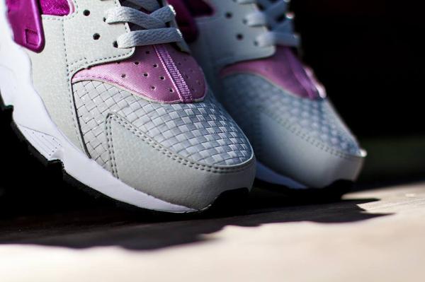 Nike Air Huarache Light base Grey Artic Pink (2)