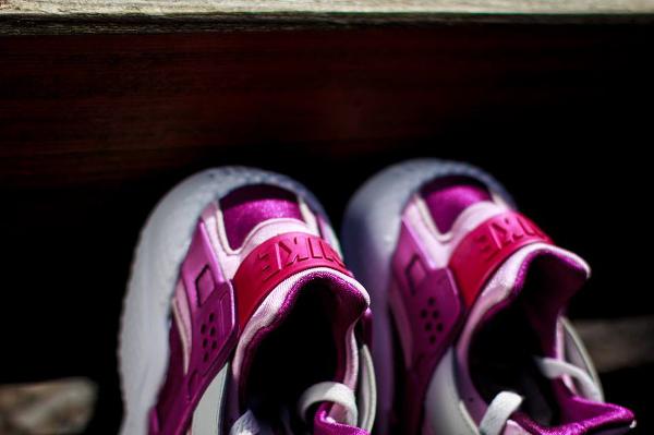Nike Air Huarache Light base Grey Artic Pink (3)