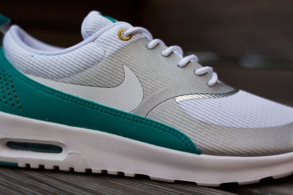 Nike Air Max Thea Metallic Silver White Tribe Green  (4)