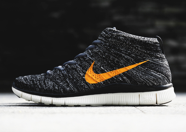 Nike Free Flyknit Chukka SP Black University Gold (2)