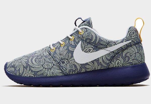 Nike Roshe Run Dark Blue Anoosha & Lora (1)