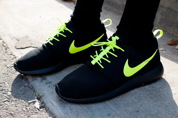 Nike Roshe Run ID Black Electric Yellow - Annie aa