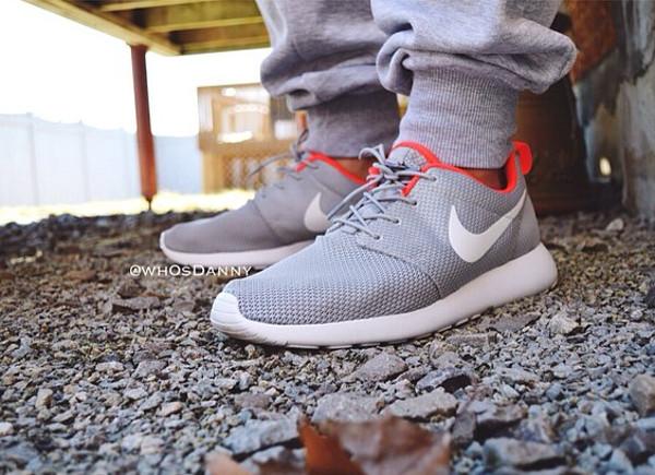 timeless design 0608d d35ff Nike Roshe Run ID - Dannys.world