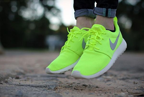 sale retailer 47afb 10579 Nike Roshe Run ID Volt - Gtfan712