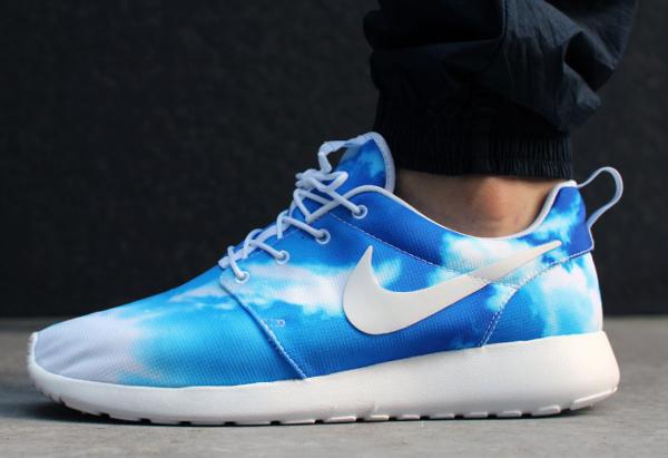 nike roshe run bleu motif