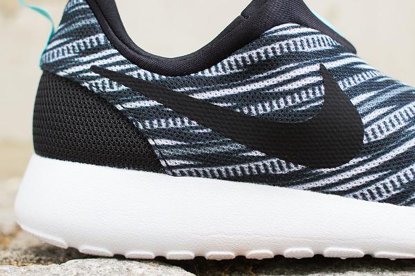 Nike Roshe Run Slip On GPX Black White (2)