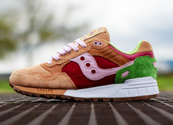 Saucony Shadow 5000 x End Clothing Burger   (0-1)