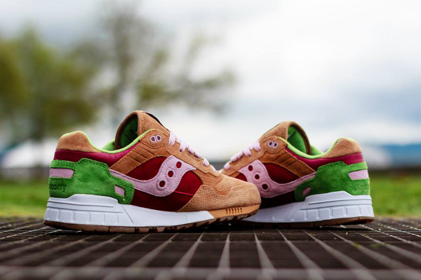 Saucony Shadow 5000 x End Clothing Burger (11)
