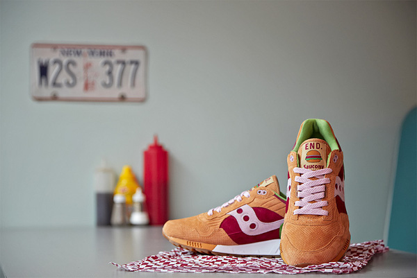 Saucony Shadow 5000 x End Clothing Burger (6)