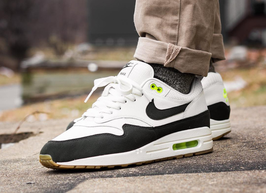 nike-air-max-1-id-2018-white-black-gum- @kevykev