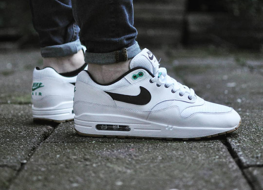 nike-air-max-1-id-reversed-@sneakers_timzwart
