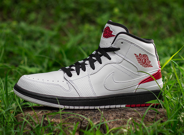 Air Jordan 1 Retro 86 White Gym Red  (4)