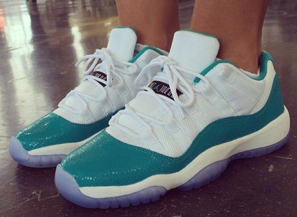 Air Jordan 11 Low Turbo Green
