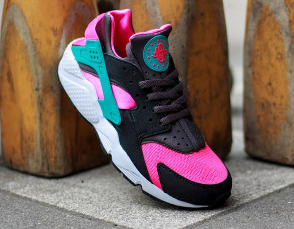 Nike Air Huarache Hyper Pink (3)