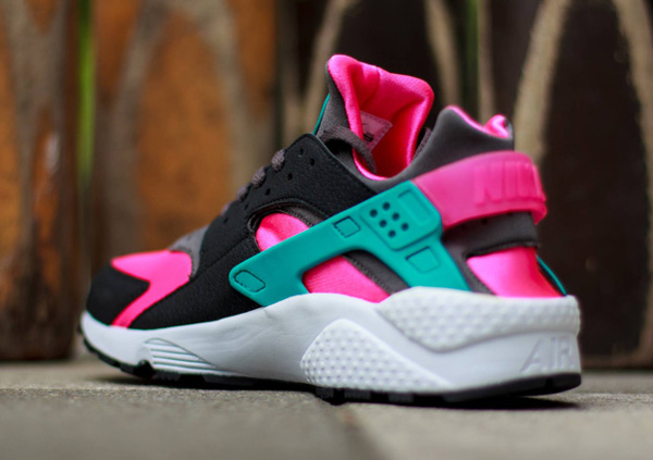 Nike Air Huarache Hyper Pink (4)