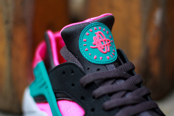 Nike Air Huarache Hyper Pink (5)