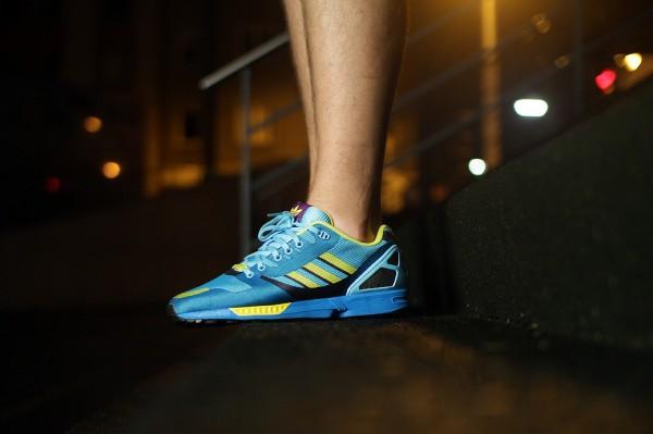 Adidas ZX Flux Weave OG 'Aqua' aux pieds (12)