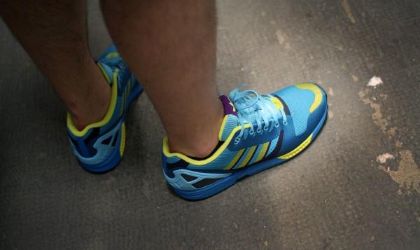 Adidas ZX Flux Weave OG 'Aqua' aux pieds (7)
