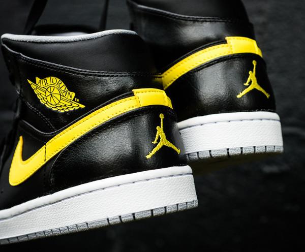 Où acheter la Air Jordan 1 Mid Black/Vibrant Yellow ?