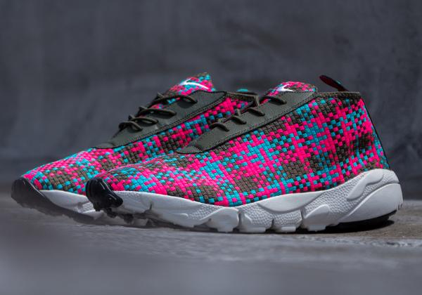 Nike Air Footscape Desert Chukka Hyper Pink-1
