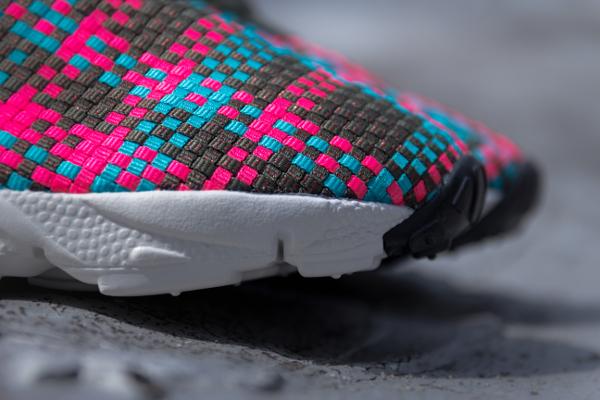 Nike Air Footscape Desert Chukka Hyper Pink-2