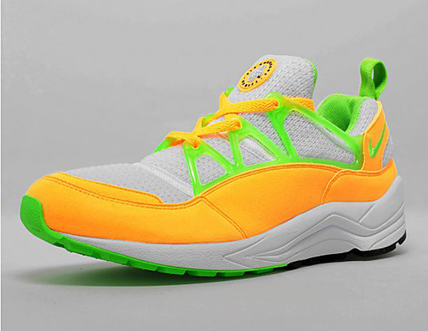 Nike Air Huarache Light Atomic Mango détail  (2)