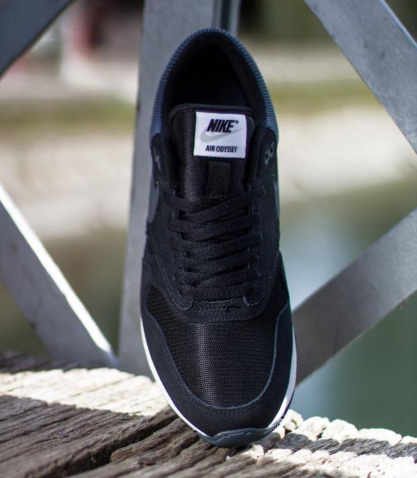 Nike Air Odyssey Black (2)