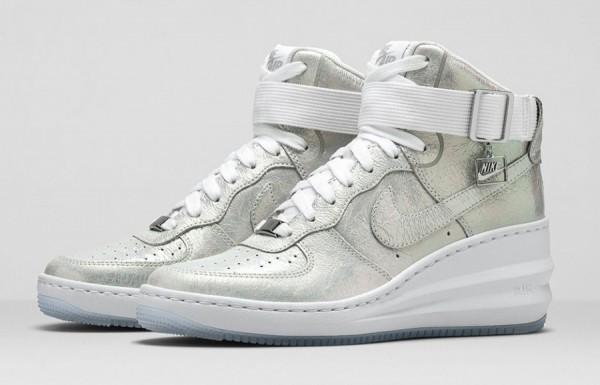 Nike AIR FORCE 1 IRIDESCENT PEARL  (1)