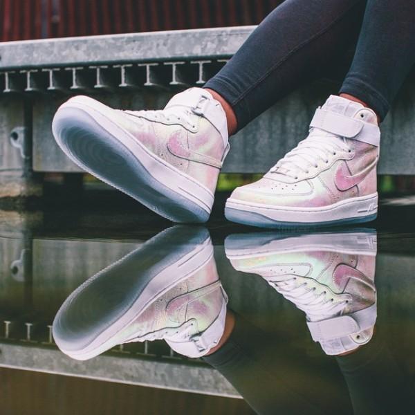 Nike AIR FORCE 1 IRIDESCENT PEARL  (12)