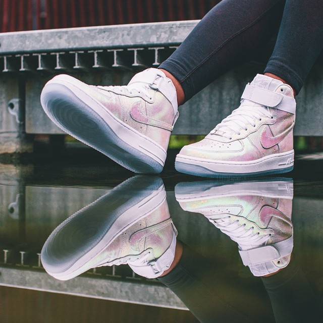 2014 Nike Air FemmeAoût 1 'iridescent Force Pearl'collection dCoeBrWx