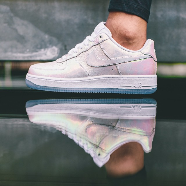competitive price 9725f bcccc ... shopping nike air force 1 iridescent pearl collection femme août 2014  c0ff8 5b54c ...