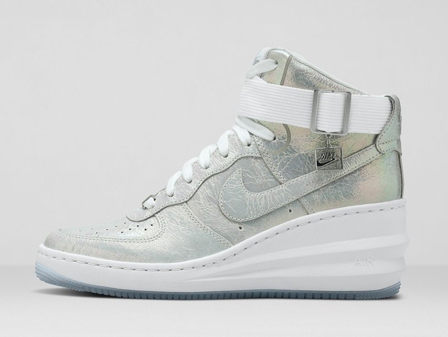 Nike WMNS Air Force 1 Iridescent Pearl Collection Sneakers