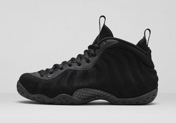 Nike Air Foamposite 'Triple Black' (4)
