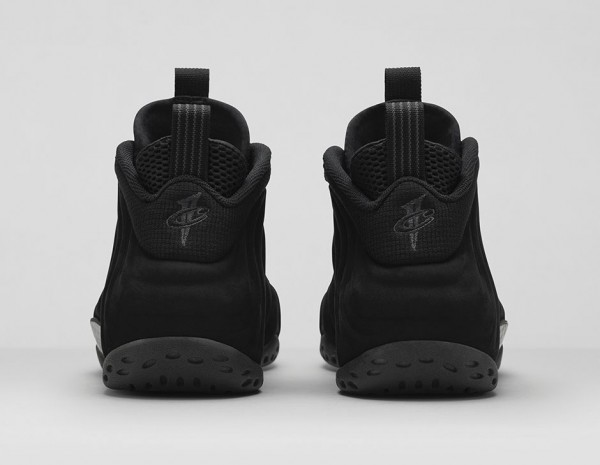Nike Air Foamposite 'Triple Black' (7)