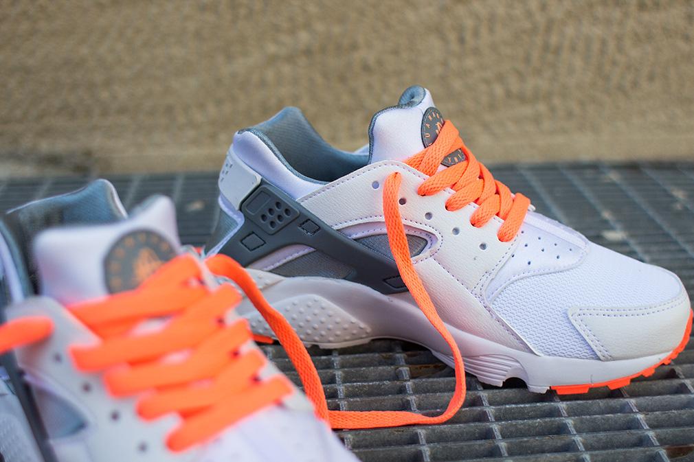 Où acheter les Nike Air Huarache GS BlackGrey & Bright Mango ?