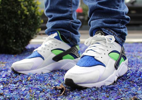 Nike Air Huarache 'Scream Green' 2014 aux pieds (1)