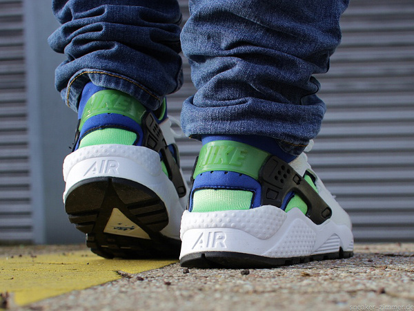 Nike Air Huarache 'Scream Green' 2014 aux pieds (3)