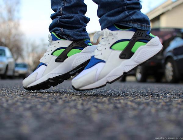 Nike Air Huarache 'Scream Green' 2014 aux pieds (4)