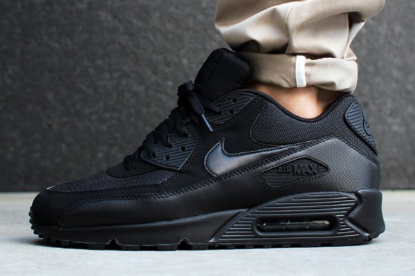 Nike Air Max 90 Essential Triple Black (2)