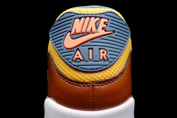 the latest 226be 9e326 nike air max 90 university gold cognac