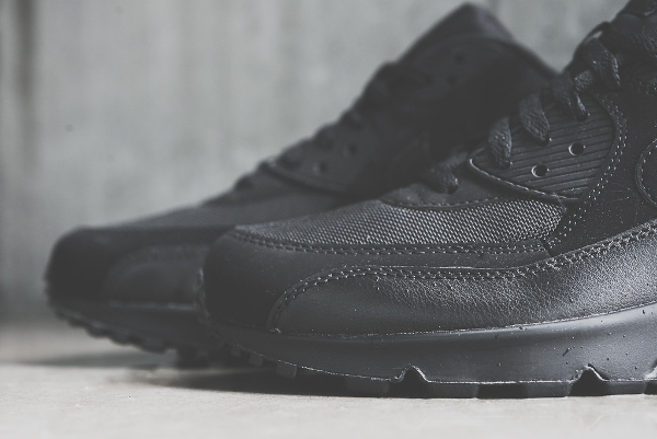 Nike Air Max 90 Essential noir (4)