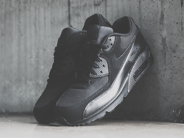 Nike Air Max 90 Essential noir (5)