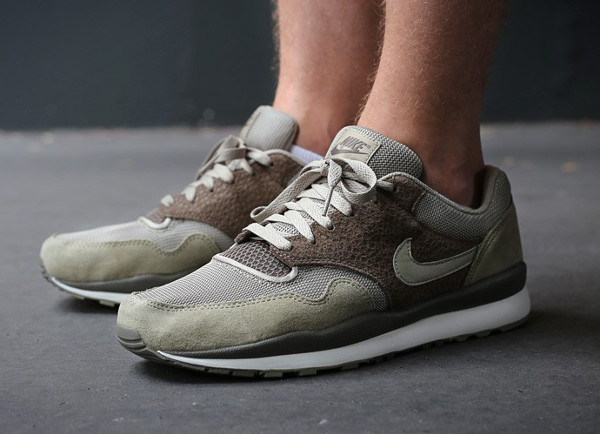 Nike Air Safari Olive Green Brown (1)