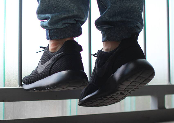 Nike Roshe One Black (noir) (2)