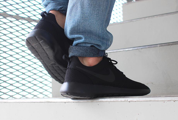 Nike Roshe One Black (noir) (3)